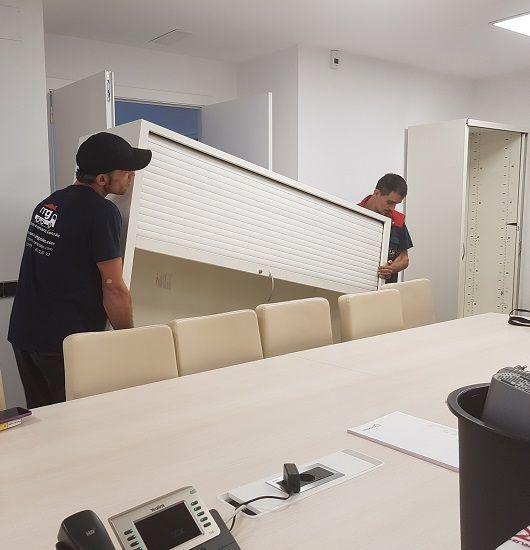 colocación de armario de oficina en mudanza en Sabadell