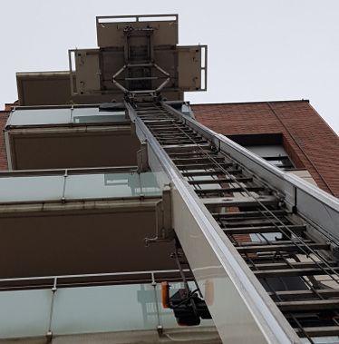 Plataforma elevadora de mudanzas
