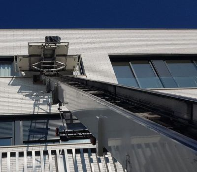 mudanzas con plataforma elevadora en Sitges